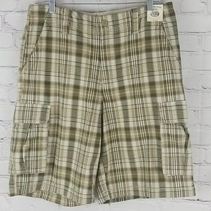 Canyon River Blues green & beige cargo fit shorts